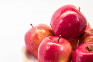 リンゴの盛り合わせ